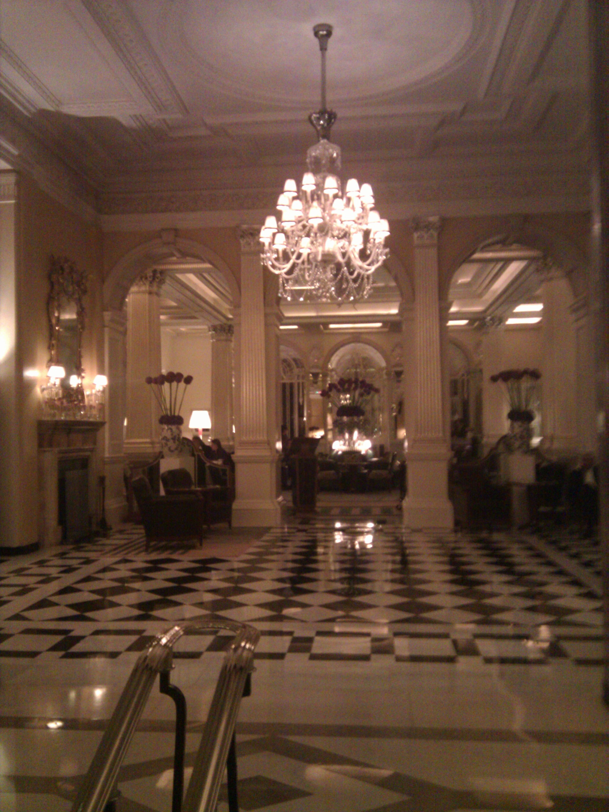 Gordon ramsay at claridge s hotel from april to table for 1920s hotel decor